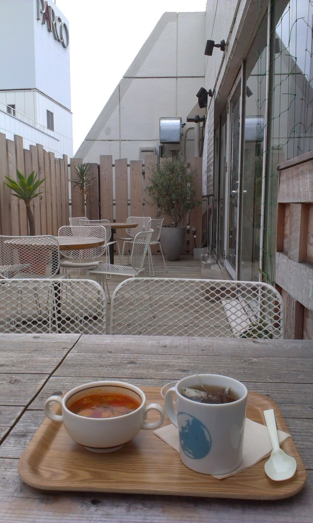 Minestrone soup and a cup of tea at the top of Tokyu Hands Department Store!