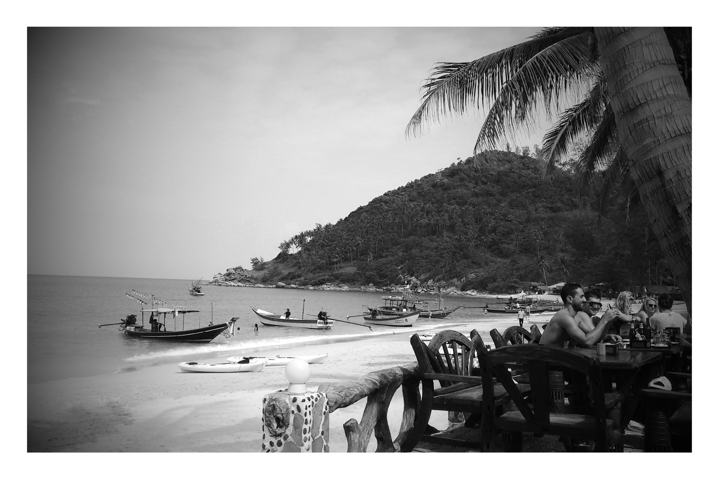 Bottle Beach on Koh Phangan, your typical touristy beach in Thailand
